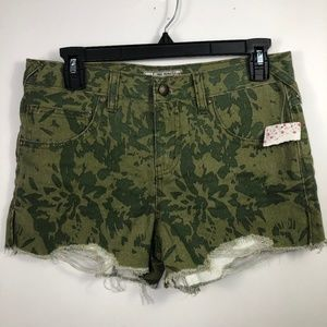 FREE PEOPLE 100% Cotton Distressed Camo Shorts 26